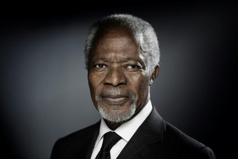 (Arquivo) O ex-secretário-geral da ONU Kofi Annan durante uma sessão de fotos em dezembro de 2017 em Paris