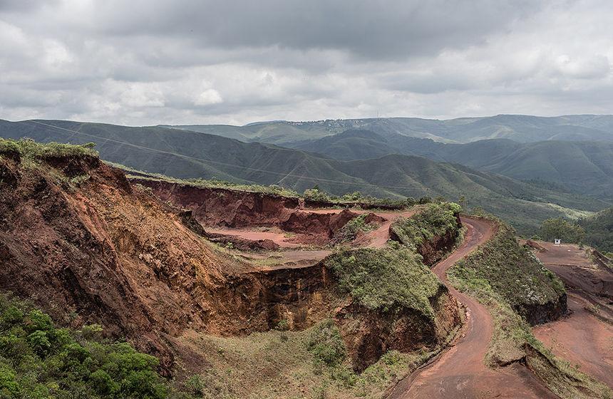 Moradores e representantes de entidades ambientalistas temem que a atividade minerária também traga riscos para o abastecimento