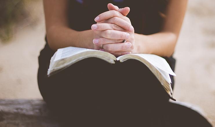 'Caminhar em uma igreja que não se preocupa somente com si e com a salvação individual, me faz olhar para o mundo com os olhos da fé, da esperança e do amor'.