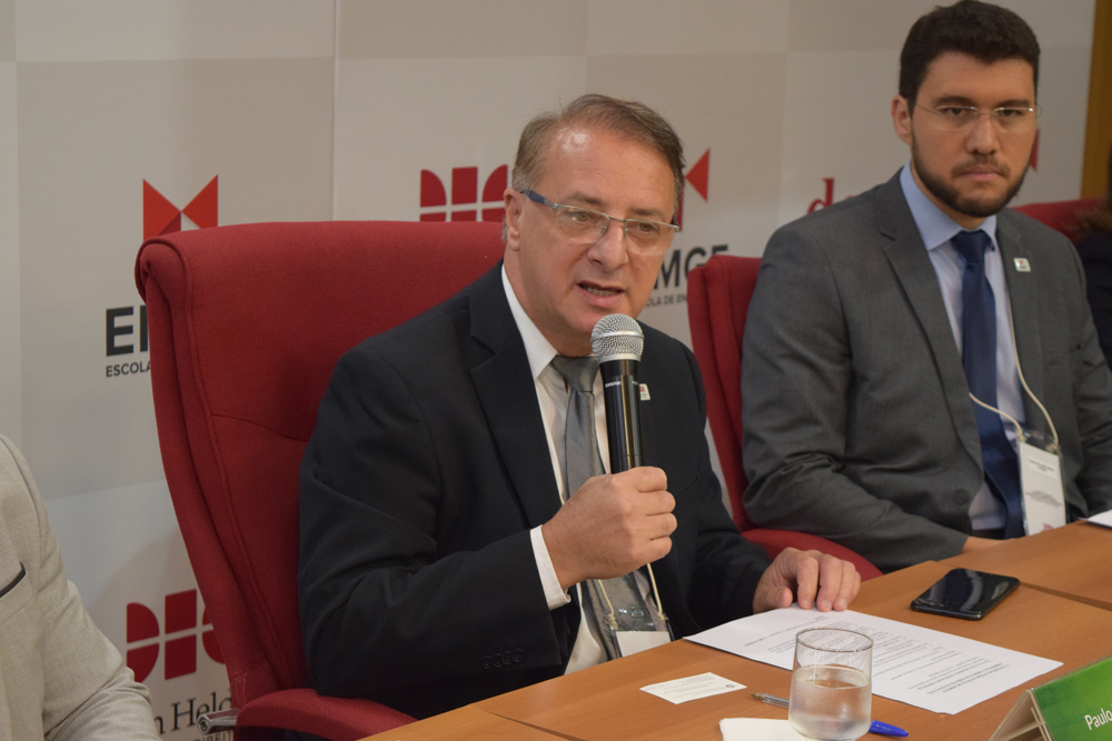 O reitor da Dom Helder Paulo Umberto Stumpf durante a abertura do Congresso
