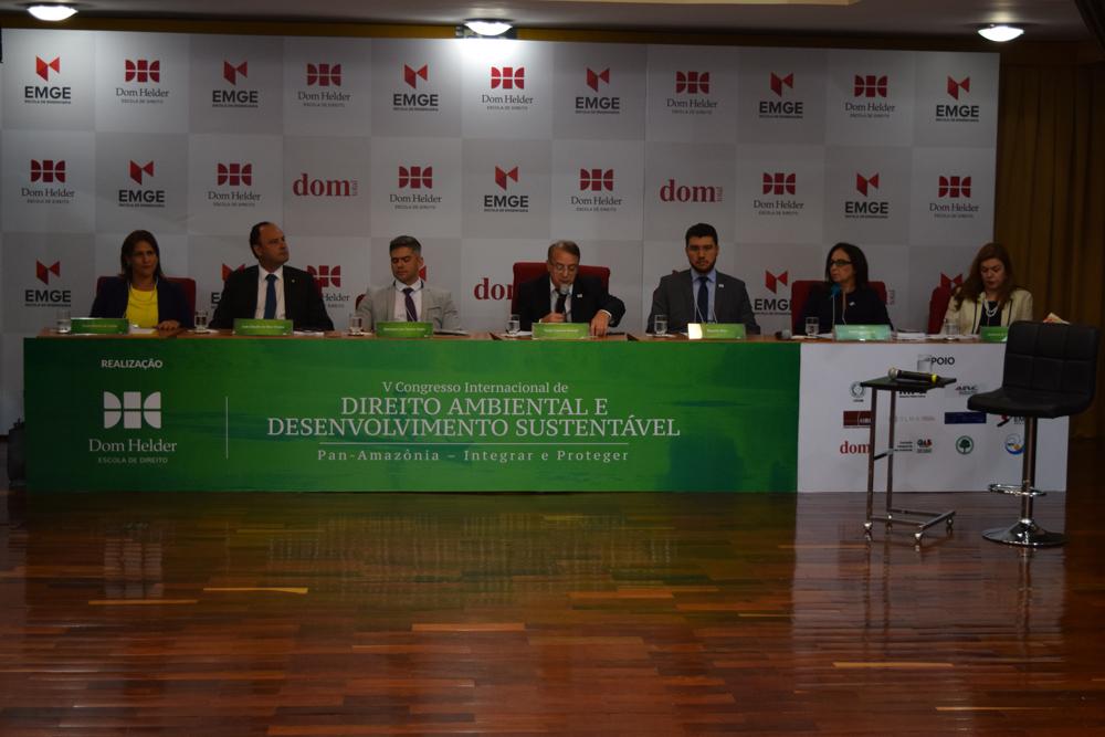 O reitor da Dom Helder, Paulo Umberto Stumpf, durante a abertura do Congresso