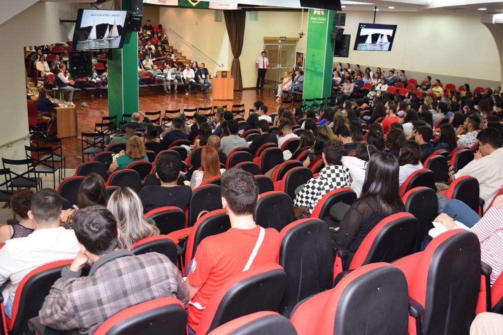 Auditório cheio durante o V Congresso Internacional de Direito Ambiental e Desenvolvimento Sustentável.