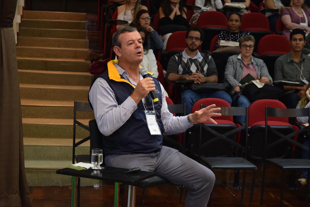 O palestrante da noite, o velejador Lars Schmidt Grael, falou sobre sustentabilidade e adaptação.
