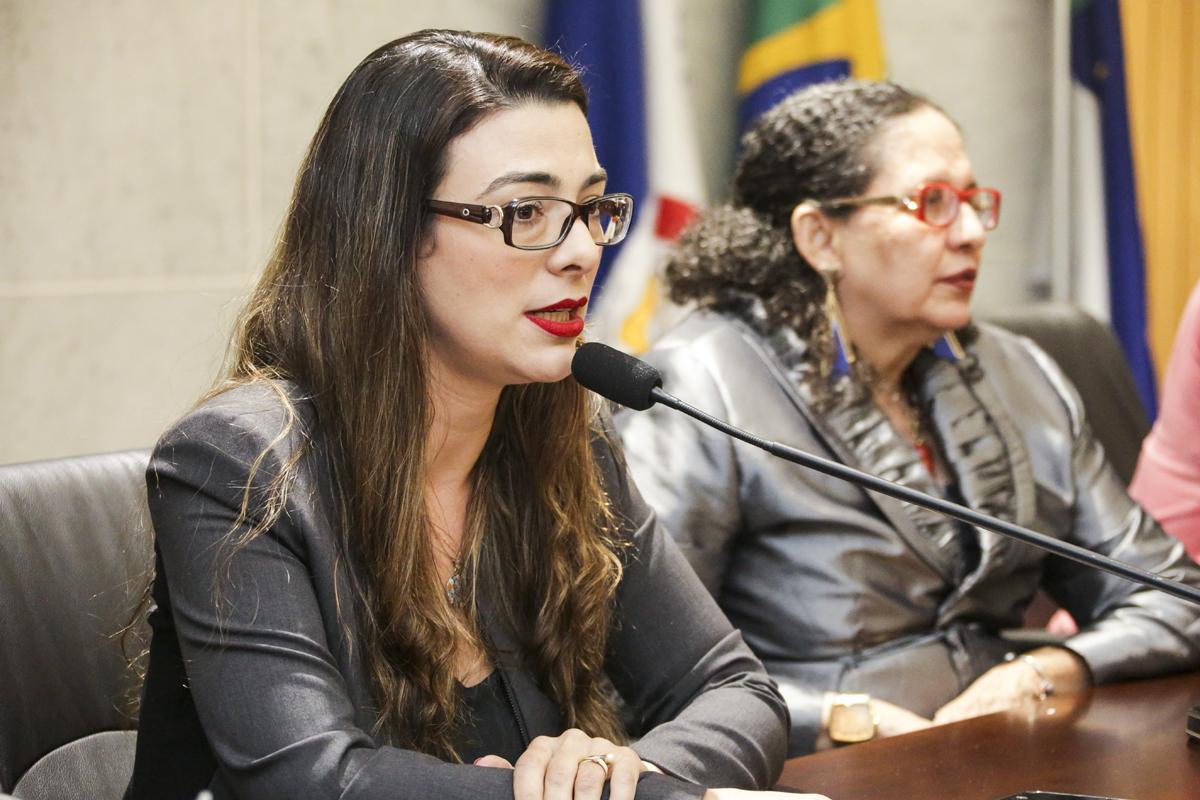 Nota é assinada por Ana Luiza Mousinho, presidente da Comissão da Mulher Advogada da OAB-PE