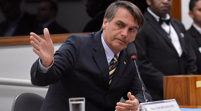 Bolsonaro obteve no primeiro turno no domingo 46% dos votos, contra 29% de Haddad.