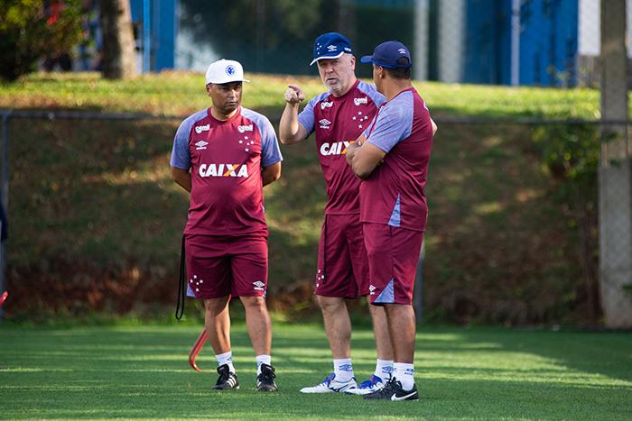 Mano Menezes quer levar o Cruzeiro ao seu sexto título de Copa do Brasil.