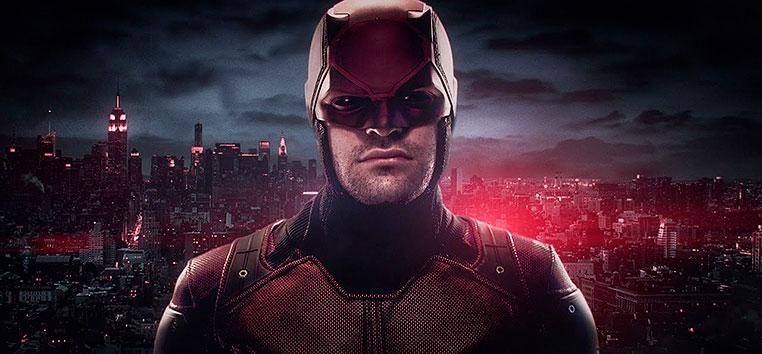 Charlie Cox tem se dedicado ao treinamento de boxe e outras artes marciais para viver o herói da Marvel na TV.