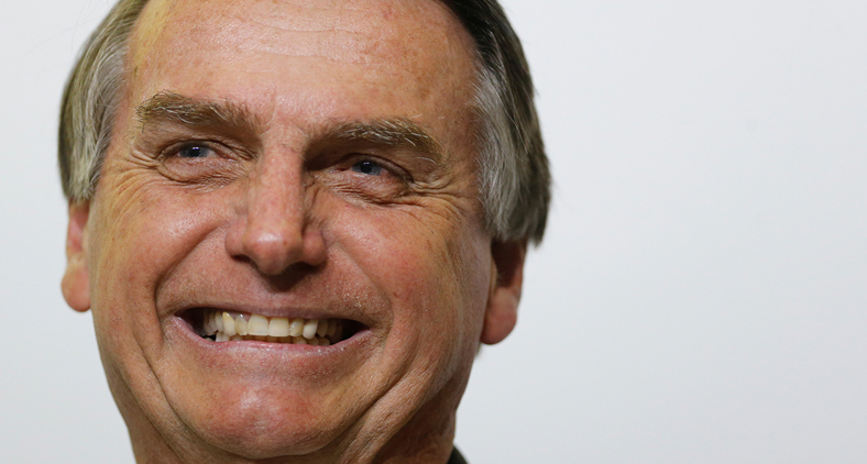'Presidente Bolsonaro, você está com faca (não aquela) e o queijo nas mãos'