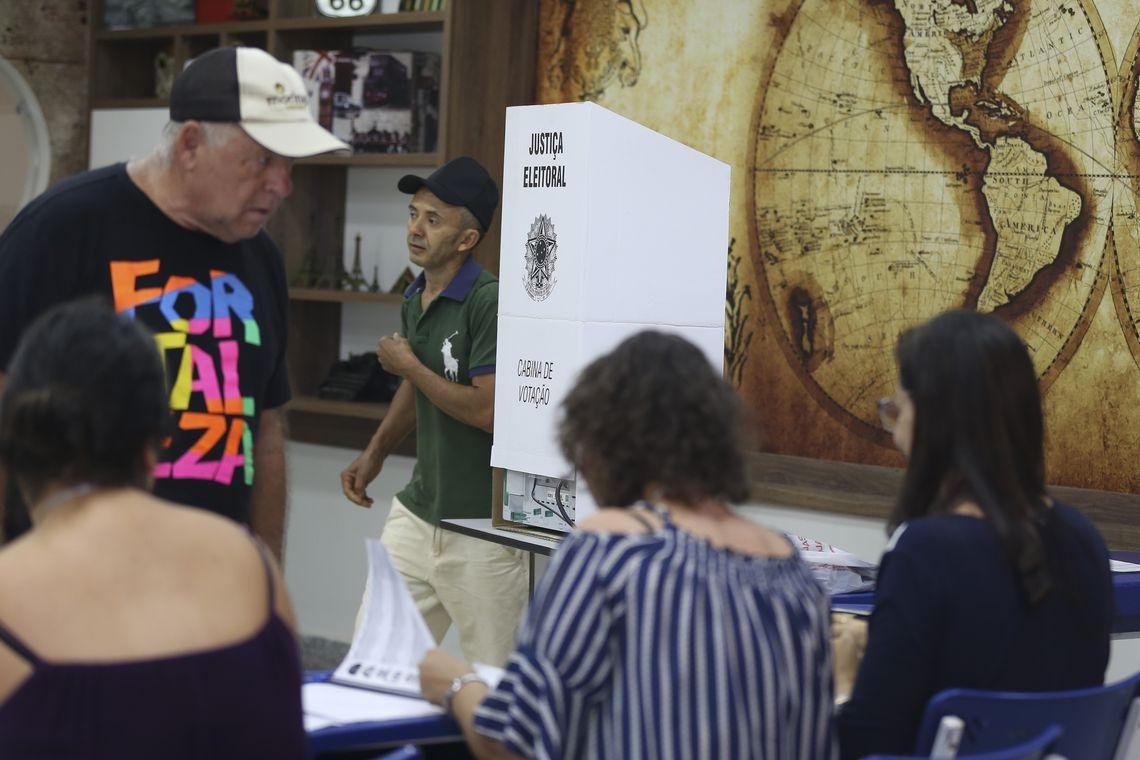 Eleitores decidiram o futuro do Brasil neste domingo