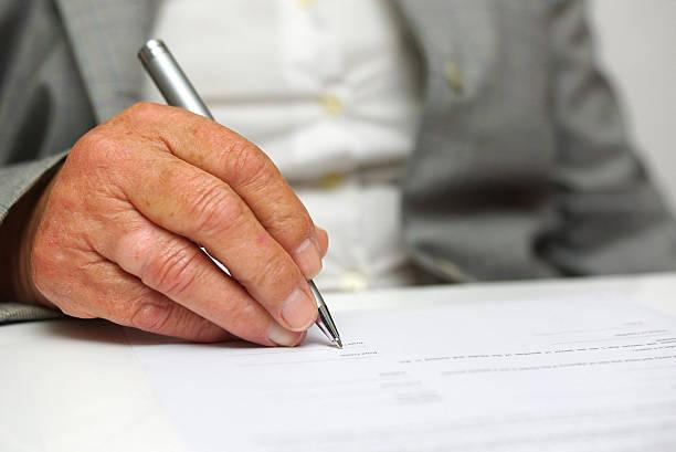 O anúncio do emprego em oferta dizia que a exigência maior era a de ter a chamada 'redação própria'