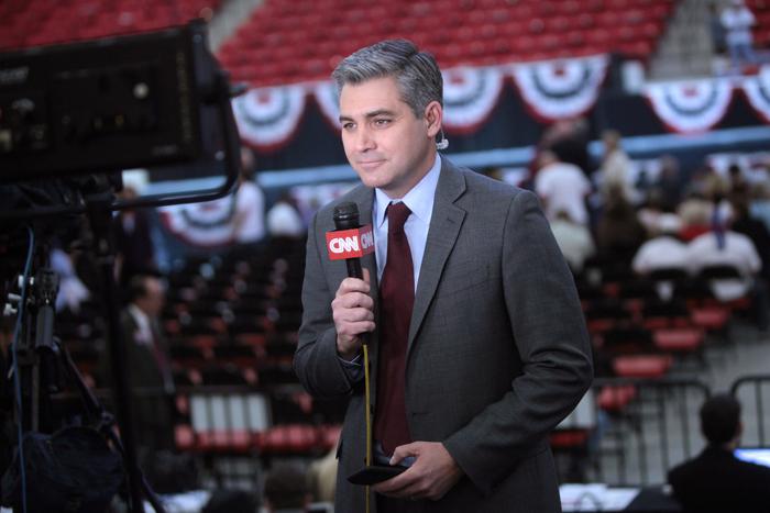 Trump reagiu a uma pergunta de Jim Acosta, da CNN, sobre o tema da caravana de migrantes que avança para a fronteira dos Estados Unidos, originária da América Central.