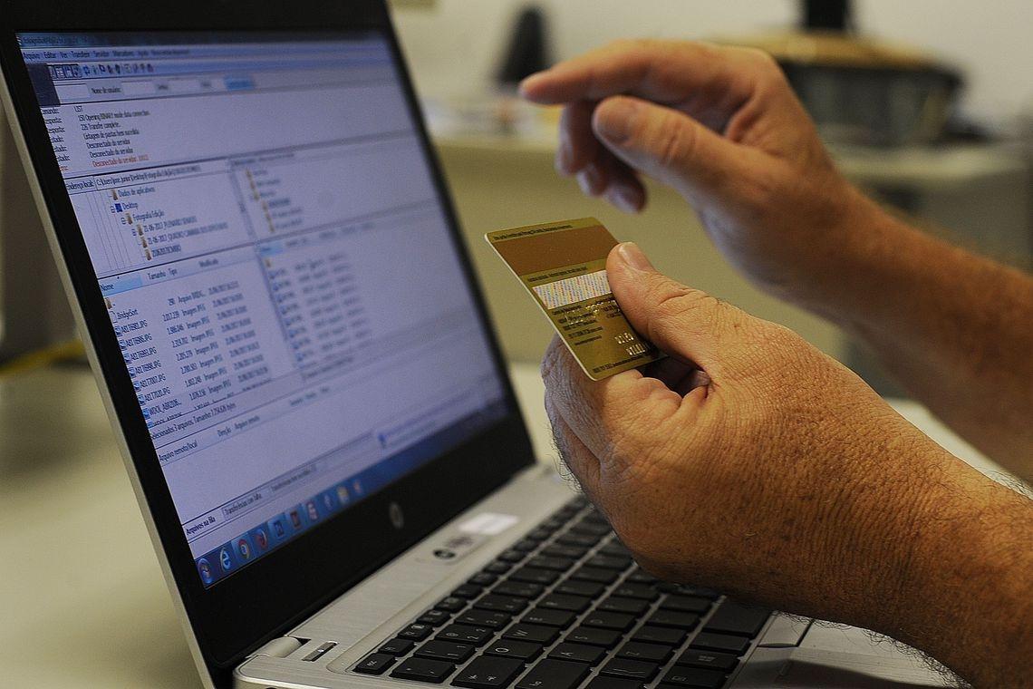 """""""Temos encontrado dificuldade [na implantação da internet das coisas] devido ao custo de mão de obra baixo..."""