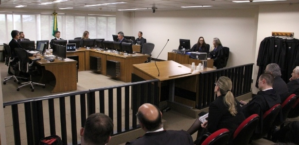 Agravos regimentais questionavam o indeferimento liminar de habeas corpus pelo relator, desembargador federal João Pedro Gebran Neto
