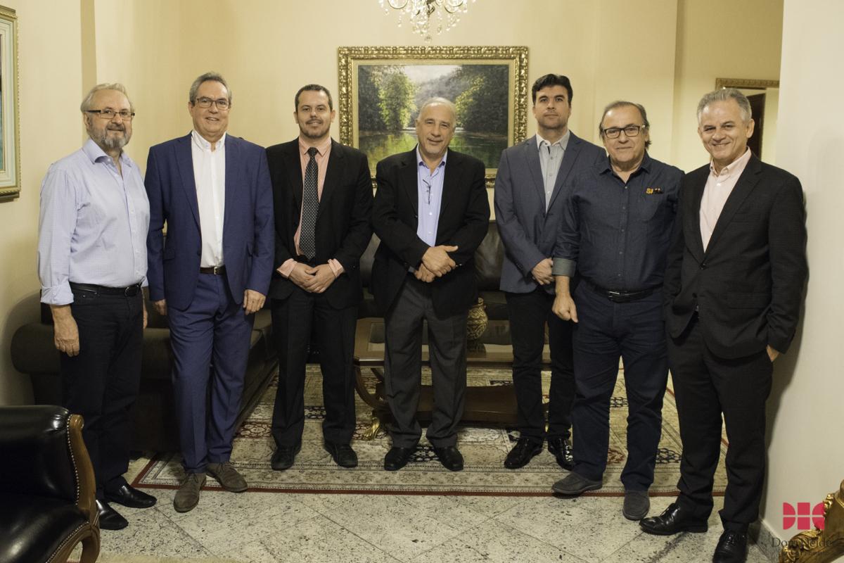 José Cláudio Junqueira (Dom Helder/EMGE), Mário Russo (Politécnico Viana do Castelo - Portugal), Renato Brandão (FEAM), Marcos Vinícius Savoi (Sindlurb), coronel Genedempsey Bicalho (SLU), Marcelo Kokke (Dom Helder/AGU)  e Rogério Siqueira (ABES).