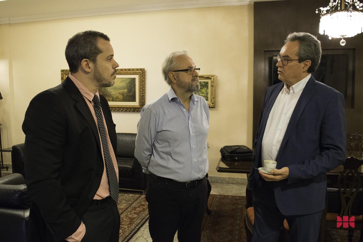 Renato Teixeira Brandão (diretor da FEAM), prof. José Cláudio Junqueira e o prof. Mário Russo (Instituto Politécnico de Viana do Castelo - Portugal).