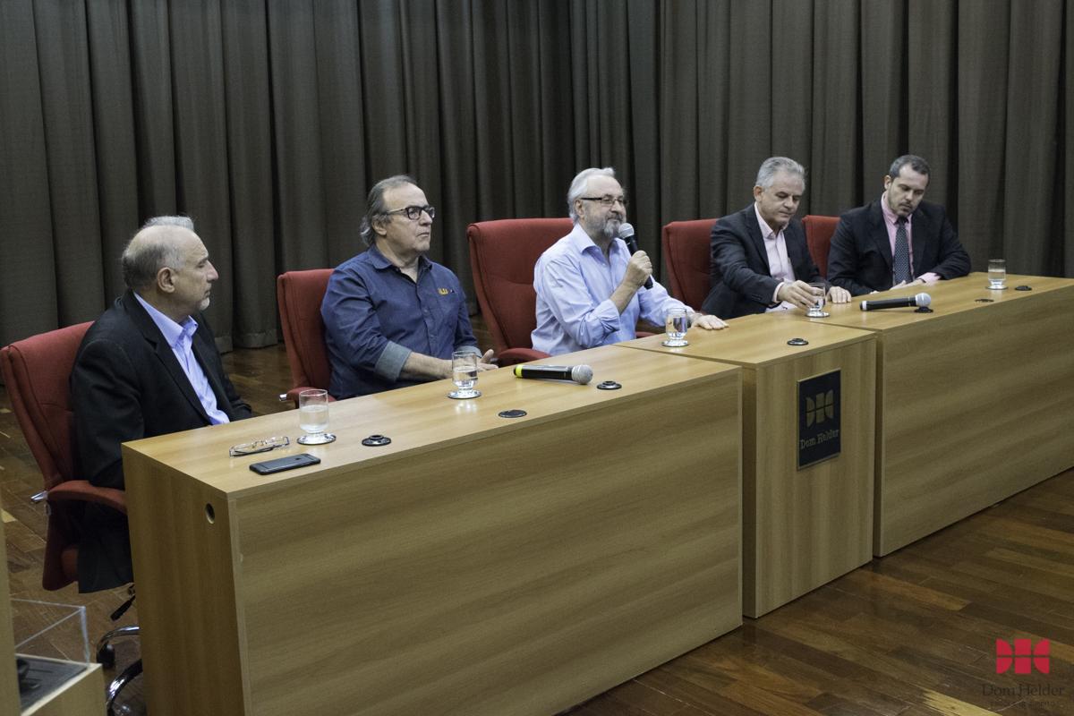 Prof. Dr. José Cláudio Junqueira, da Dom Helder e EMGE profere palestra no Seminário Logística Reversa.