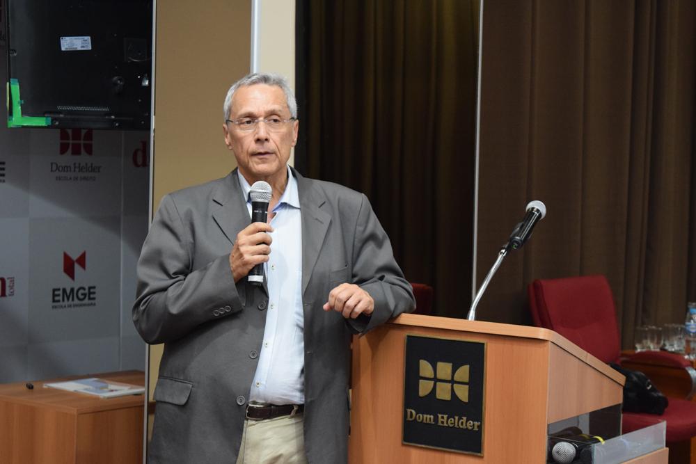 o pesquisador da UERJ, Ronaldo Seroa da Motta, falou sobre propostas de novos instrumentos econômicos para fomentar o cumprimento da LR e para a ampliação do Parque Industrial da Reciclagem