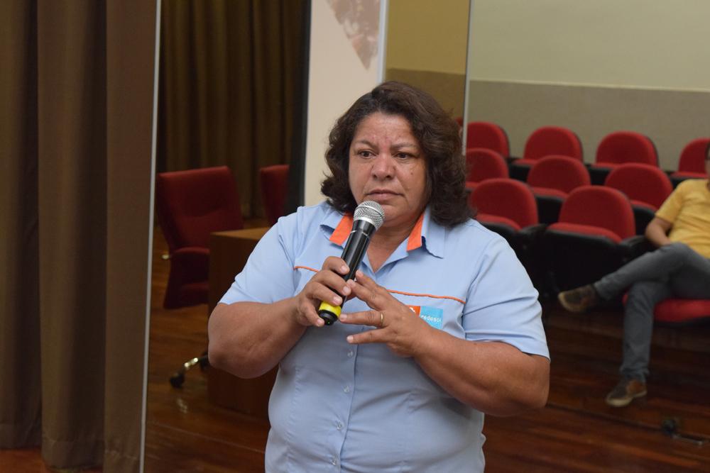 Representante da RedeSol e Cataunidos falou sobre os desafios encontrados na comercialização de materiais recicláveis coletados seletivamente.