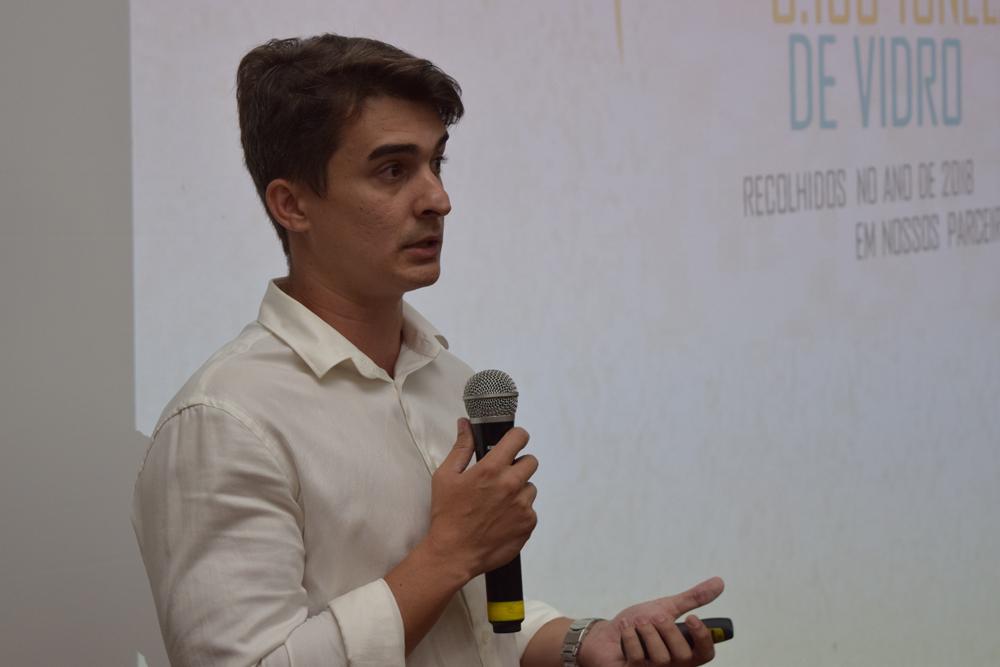 Daniel Nascimento falou sobre oportunidades para a ampliação do Parque industrial da reciclagem em Minas Gerais: o caso da reciclagem do vidro