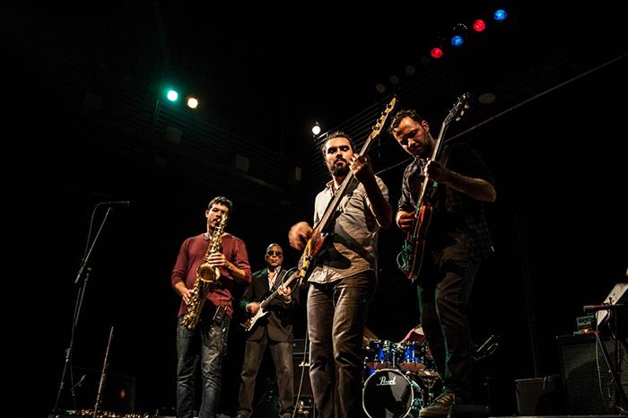 """Com aposta no """"dancing"""", a banda está em constante processo de inovação."""