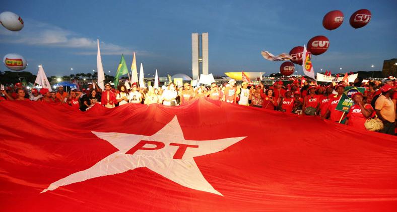 Dizer que o PT 'cometeu erros' é bondade. O partido de Lula foi longe nos acordos e cambalachos com seus parceiros da Nova República. (Lula Marques/Agência PT)