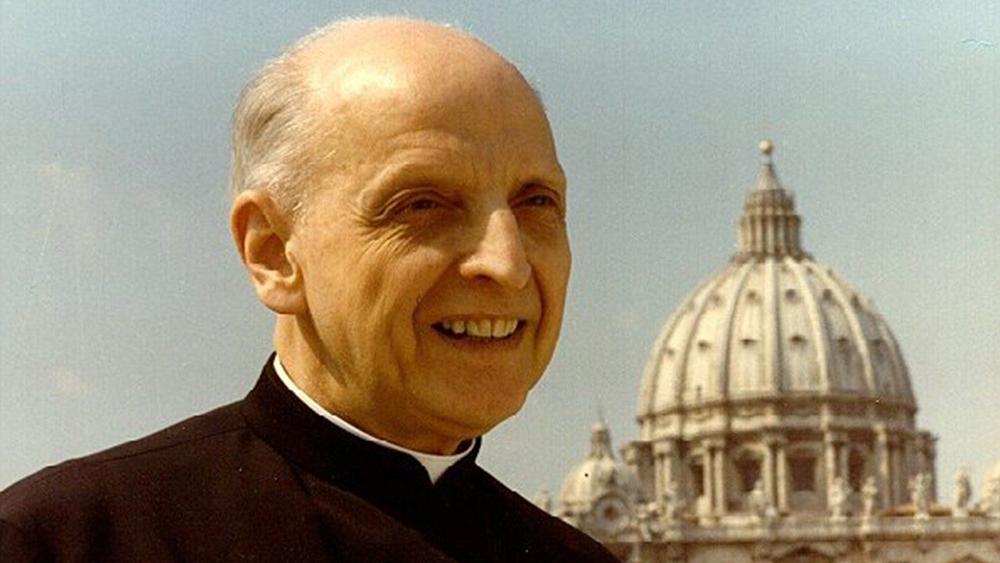 O anúncio foi feito pelo superior jesuíta, padre Arturo Sosa, sobre a causa da santidade de seu antecessor, que liderou a Companhia de Jesus nos anos posteriores ao Concílio Vaticano II.
