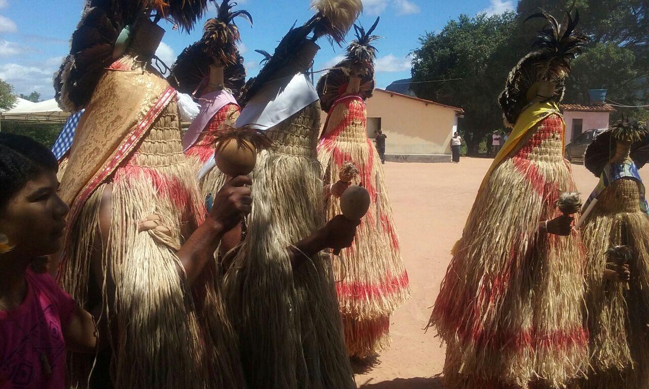 Ritual Praia durante a última Assembleia Geral do Povo Pankararu, ocorrida no início de maio