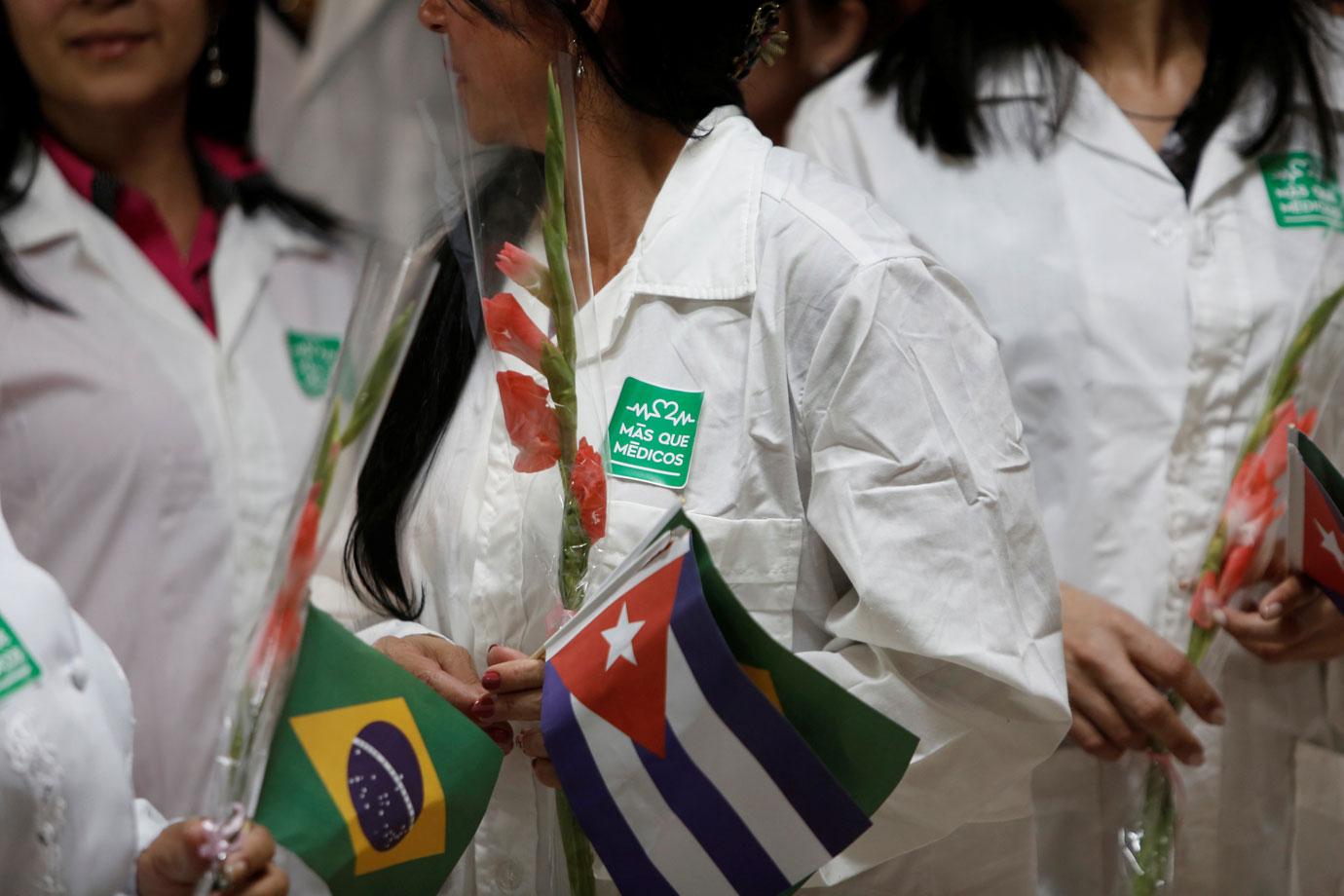 Segundo o presidente da subsecção local da Ordem dos Advogados do Brasil, sem apoio das prefeituras onde trabalharam, esses médicos estão batendo às portas da OAB para pedir ajuda.