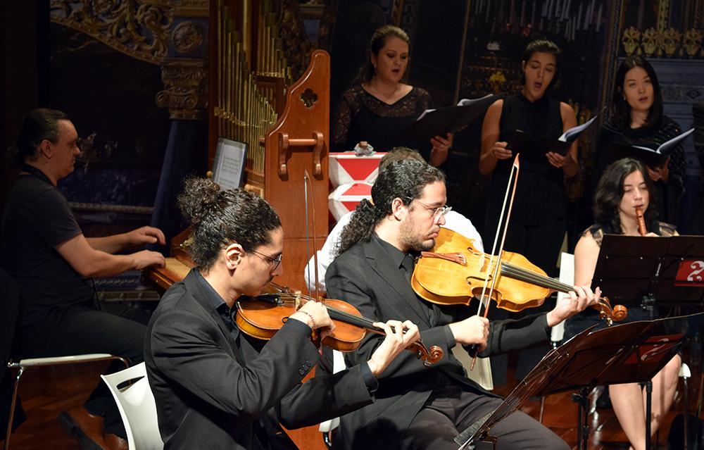 Dom Helder e EMGE sediam apresentação da orquestra Canção das Iluminuras.