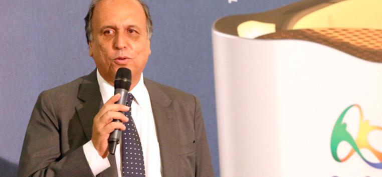 Pezão é acusado de comandar a organização criminosa e de manter o esquema de recebimento de propina.