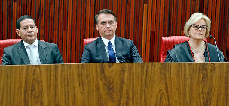 Bolsonaro teve que escutar discurso em defesa dos direitos pessoais da ministra Rosa Weber.