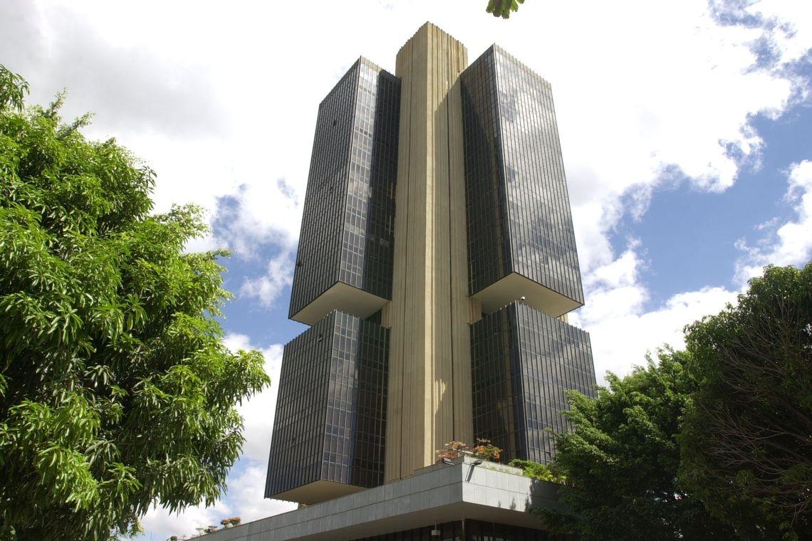 Em comunicado, o Copom informou que aumentou o risco de a ociosidade da economia brasileira manter a inflação em níveis baixos