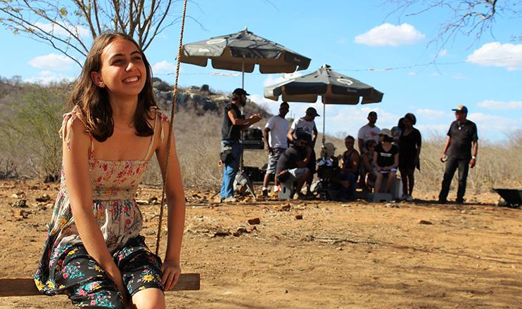 A atriz Luana Valentim no set de filmagem de 'Beiço de Estrada'.