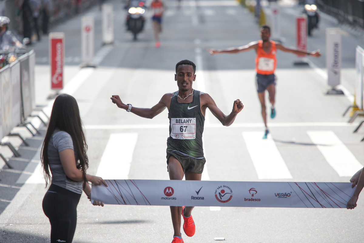 Etíope Belay Bezabh venceu no masculino