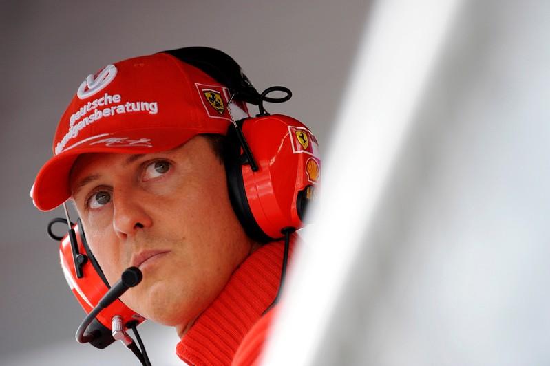 Schumacher vive atualmente isolado na mansão da família às margens do Lago Genebra.