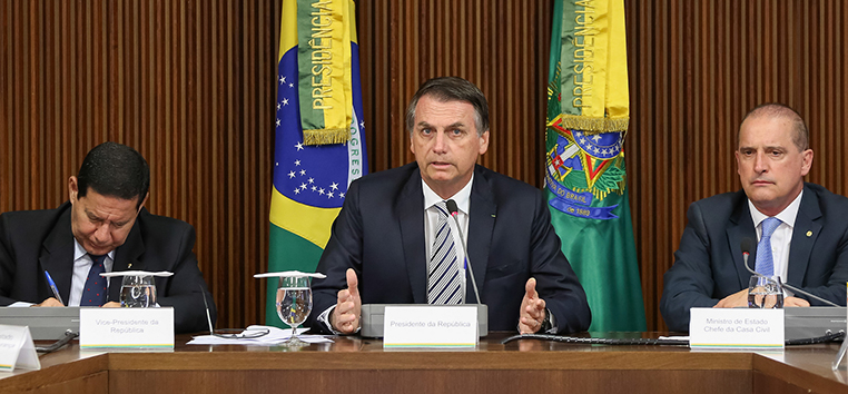 Bolsonaro já vinha sinalizando que um tempo com menos direitos poderia estar no horizonte do trabalhador brasileiro.