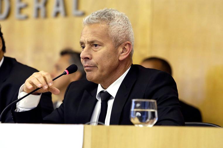 Gabbardo e outros seis servidores respondem pela utilização de R$ 6 milhões em recursos da saúde pública para reformas no Instituto de Cardiologia do DF.