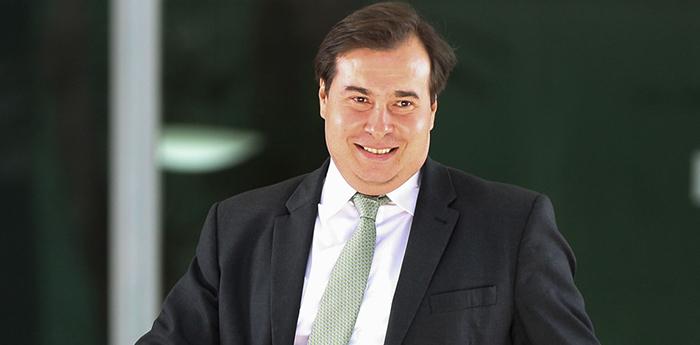 Assim, o PSDB passa a ser o sexto partido a apoiar a reeleição de Maia, além do PSL, PRB, PSD, PPS e do próprio DEM.