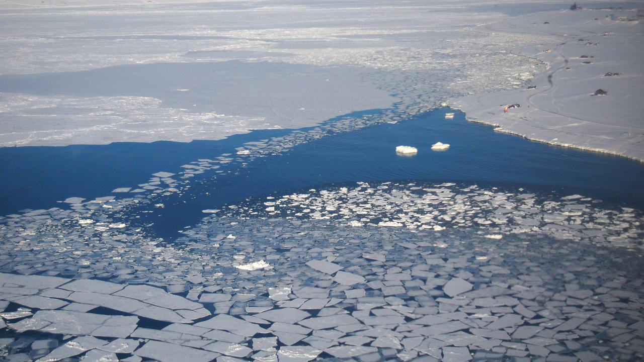 A tendência de perda de gelo é clara ao longo dos últimos 40 anos.