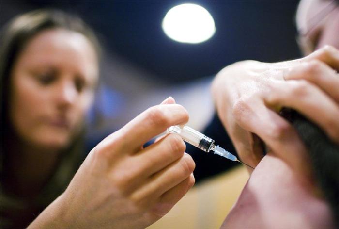 Os locais que registraram casos de sarampo receberam, segundo o ministério, 15,5 milhões de doses da vacina tríplice viral.