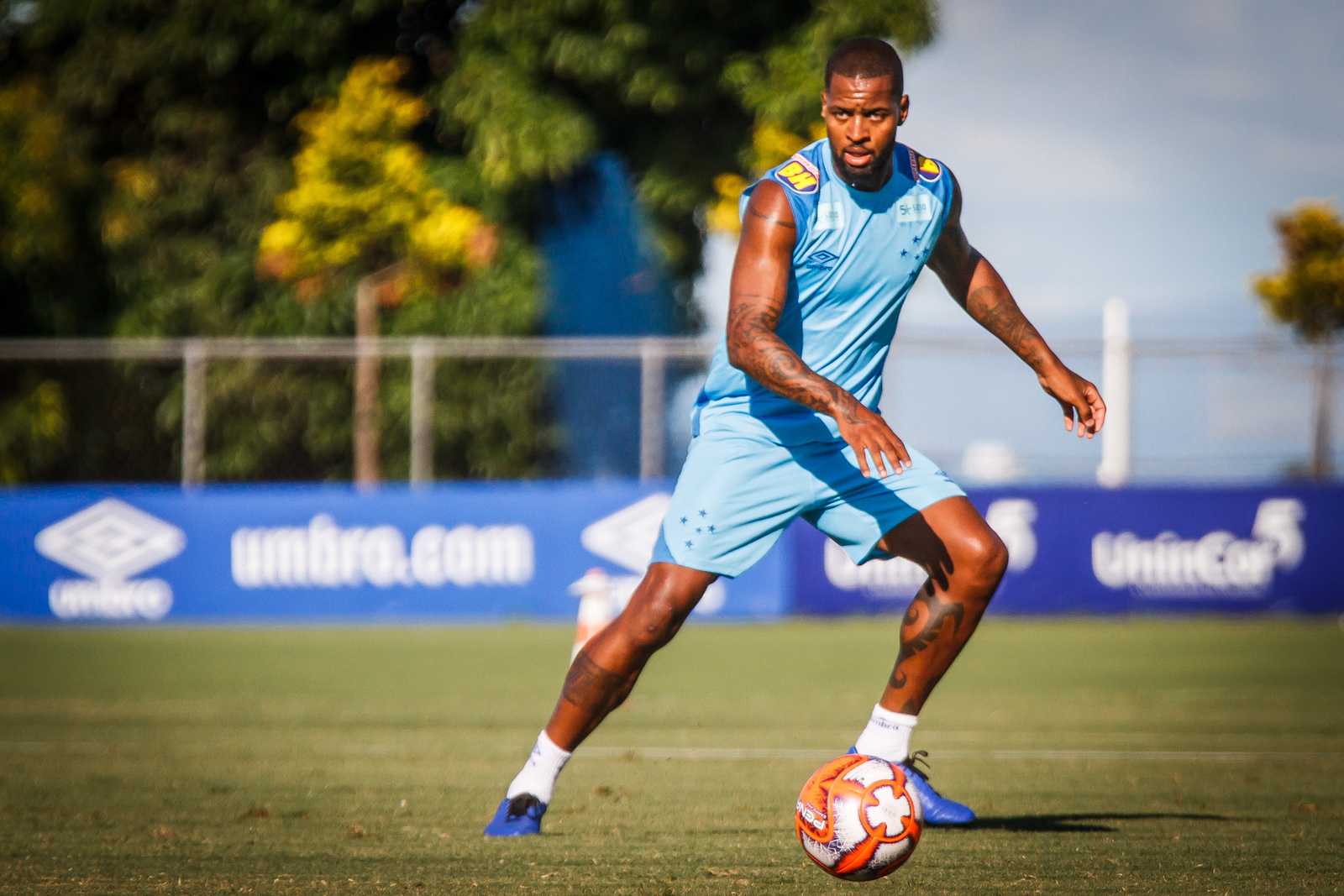 Com 30 anos de idade, Dedé tem contrato até 2021 com a Raposa.