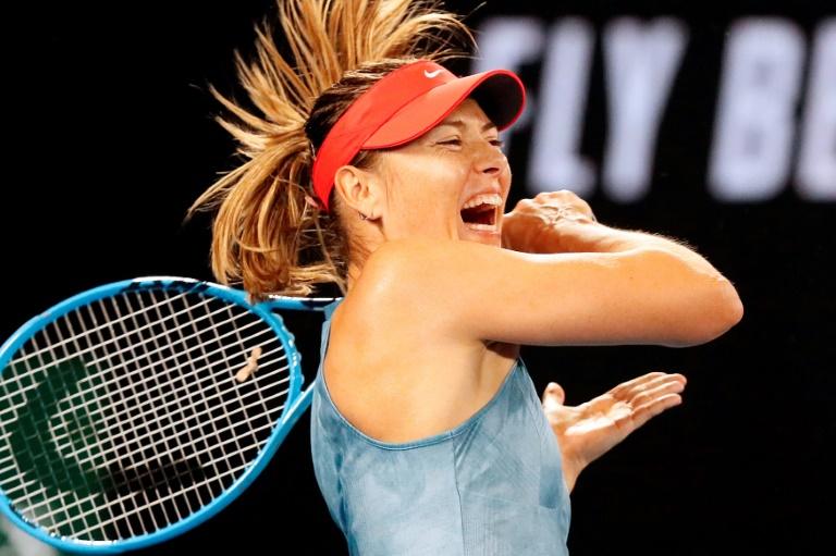 A russa Maria Sharapova durante partida contra Caroline Wozniacki, em Melbourne, em 18 de janeiro de 2019