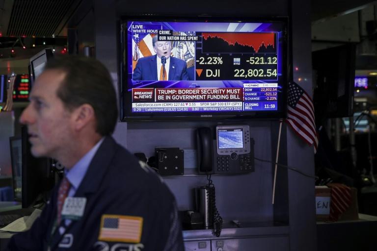 A paralisação do governo americano - que chega ao seu 28º dia nesta sexta-feira - está pesando no crescimento econômico.
