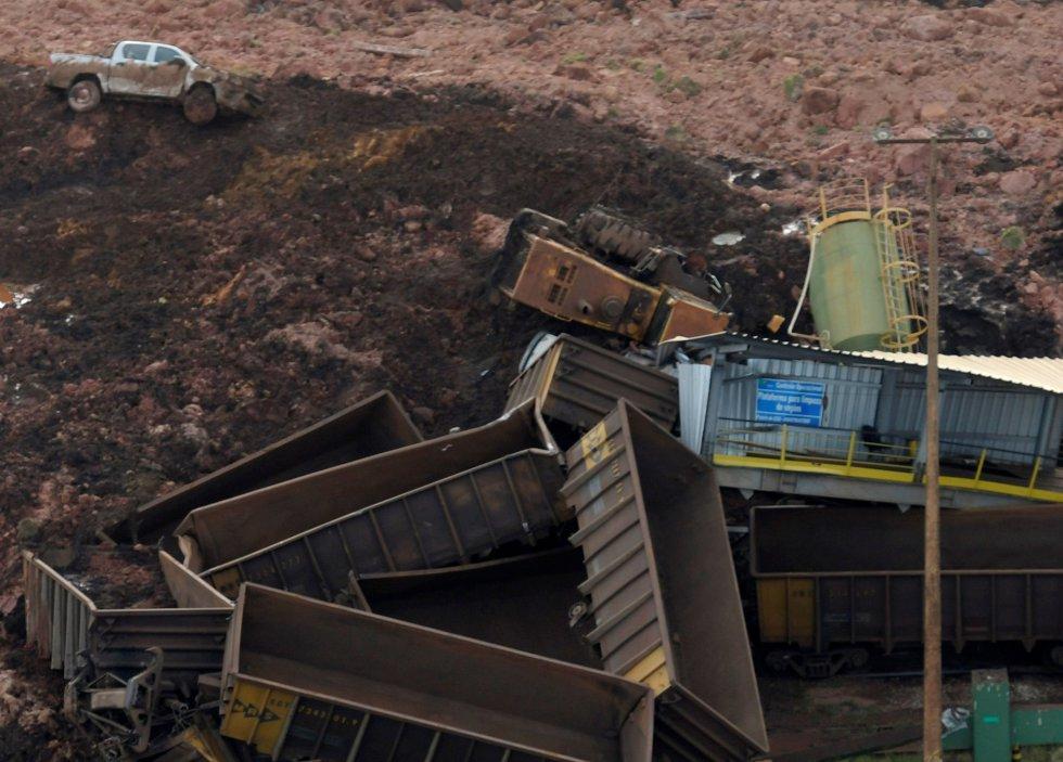 Vista aérea com material da mina de ferro Feijão, da Vale, em Brumadinho (MG)