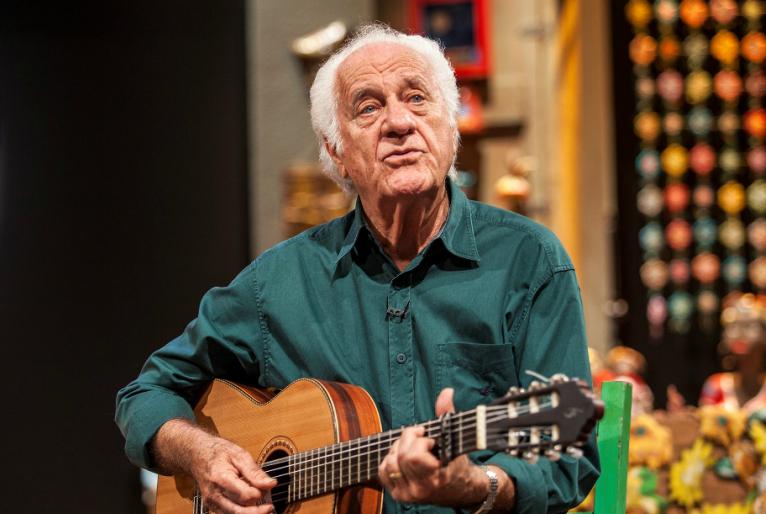 Rolando Boldrin, por meio de seu programa, é um dos poucos a trazer música, músicos e intérpretes de qualidade até à sala da gente