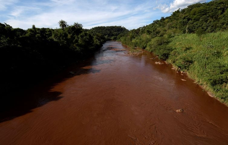 O rompimento da barragem do córrego do Feijão, ocorrido em 25 de janeiro, afeta moradores de cidades que são banhadas pelo rio Paraopeba.