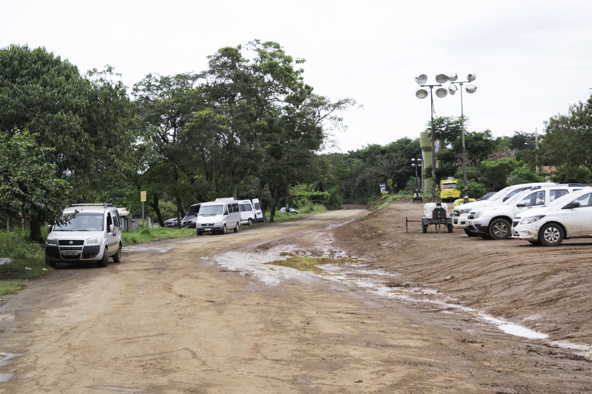 Clima de  tristeza e muito movimento de voluntários e ONGS no Córrego do Feijão.