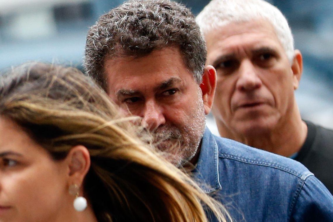 O deputado Paulo Melo se apresenta à Polícia Federal (PF) após nova ordem de prisão expedida pelo Tribunal Regional Federal da 2ª Região.