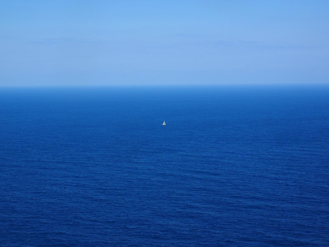 Os resultados estimam que as zonas azuis, como a dos subtrópicos ficarão mais azuis, refletindo a redução dos níveis de fitoplâncton - e de vida em geral.