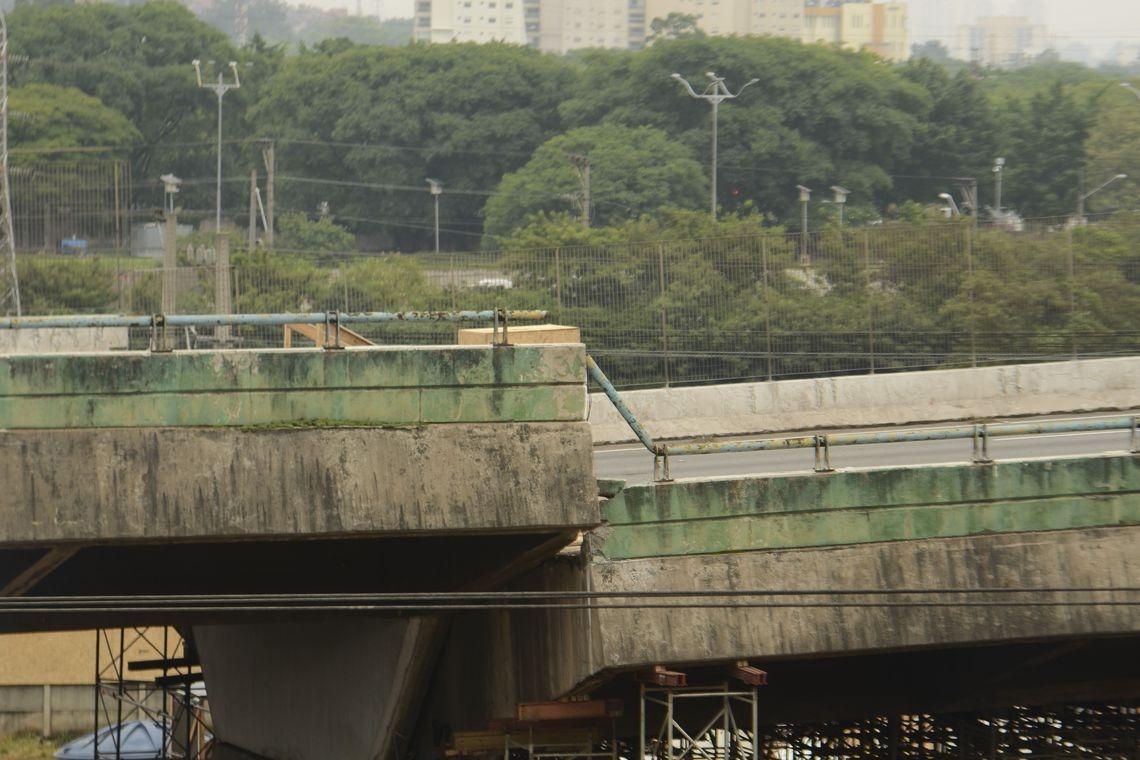 A Prefeitura não adotou, porém, medidas para consertá-lo antes do acidente.